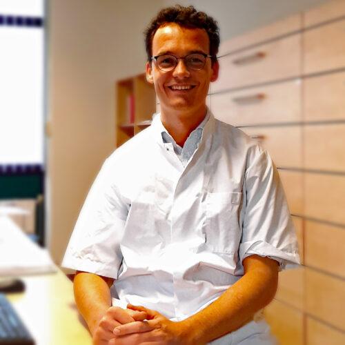 Drs. H.J.H. (Dirk) van Aaken